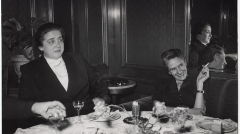 Erika Mann and Therese Giehse (1947)