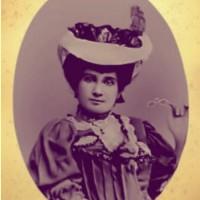 Carmen Dolores (Emília Moncorvo Bandeira de Mello)